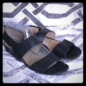 Black Naturalizer sandals